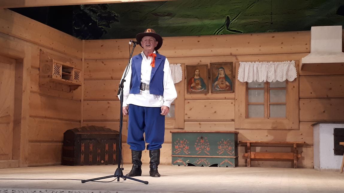 Stanisław Gazda podczas występu na Sabałowych Bajaniach